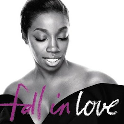 Estelle feat. Nas – Fall In Love