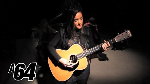 Ria Ritchie – Only One (Acoustic Video)