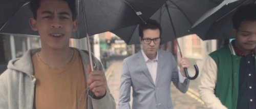 Mayer Hawthorne – The Walk ft. Rizzle Kicks (Video)