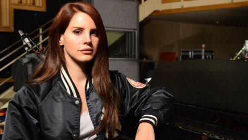 Lana Del Rey – Goodbye Kiss (Kasabian Cover)