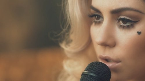 Marina And The Diamonds – Lies (Acoustic Video)