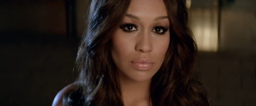 Rebecca Ferguson – Glitter & Gold (Video)