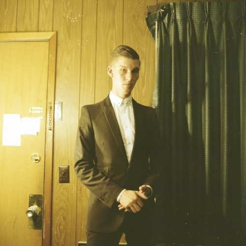 Willy Moon – Railroad Track (Video)