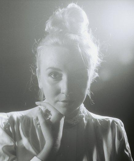 Lili K – Curtain Call (Video)