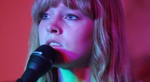 Lucy Rose – Middle Of The Bed (Video)
