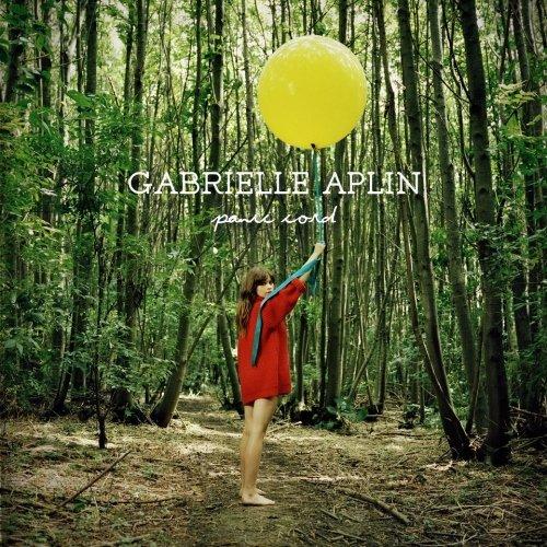 Gabrielle Aplin – Panic Cord (Video)