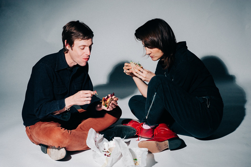 DRINKS (Cate Le Bon & White Fence) – Hermits On Holiday (Video)