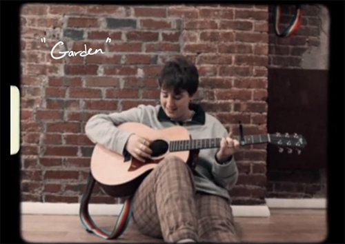 Mae Krell – garden (Acoustic Video)