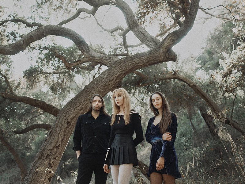 Tashaki Miyaki – Gone (Video)