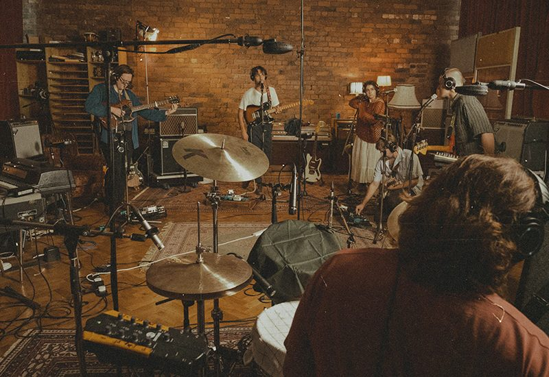 Far Caspian – House (Live at The Nave)